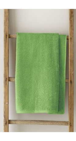 Garnet Hill - Garnet Hill Signature 600-Bath Towel - Parrot Green - These thirsty bath towels are made of the finest long-staple Egyptian cotton. The extra-thick 600-gram cotton terry has long loops that are specially finished to provide maximum absorbency. Double-stitched hems for durability. Generously sized, these towels are made in Turkey exclusively for Garnet Hill. Bath mat is 800-gram terry. Monogramming is available.