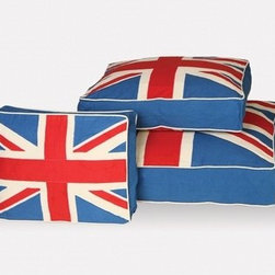 Union Jack Bed - Get your pooches in on the whole Union Jack trend with this stylish dog bed.