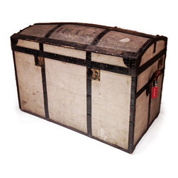 Vintage Linen Trunk - Oh, heart be still. A blast of vintage in the form of a trunk! It makes me think of Nantucket and the great sea captains who owned magnificent island homes rich in character.