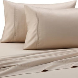 Barbara Barry - Barbara Barry Pintuck Sateen Fitted Sheet in Rosewater - Create the perfect bedding ensemble with the Pintuck Sateen fitted sheet. Woven with a luxurious 500 thread count cotton, these super-soft sheets have a luxuriously silky and smooth hand that will lull you off to peaceful dreams.