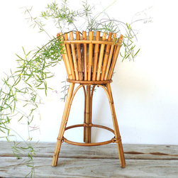 Modern Tiki Plant Stand - This modern planter could be at home anywhere with its simple lines. But it definitely channels your inner Tiki.