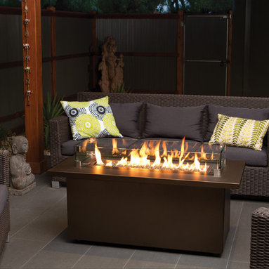 "Regency Plateau Coffee Firetable - Regency's versatile firetables are perfect for outdoor entertaining. At 20"" tall, the sleek linear style of the Regency Plateau™ coffee fire table creates the perfect gathering space."