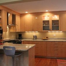 Modern Kitchen by Weston Kitchens