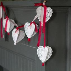 Valentine's Garland Kit - Instead of going out for Valentine's Day, why not stay at home and cook a delicious, homemade meal together? Decorate for that special night with this elegant but modern-looking garland that will surely warm up the atmosphere.