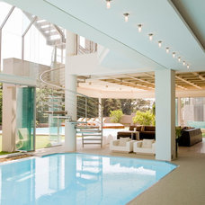 Contemporary Pool by Nico van der Meulen Architects
