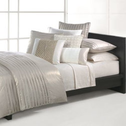 Natori - Natori Soho Duvet Cover - Duvet cover is woven in a soft blend of cotton and linen in matte metallic colors to add an elegant and stylish look to any bedroom. The soothing hues of pearl and oyster of the duvet cover shimmer for an eye-catching look.