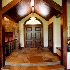 Traditional Entry by Pinnacle Mountain Homes