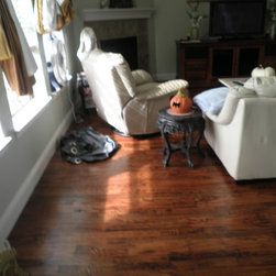 Red Oak #2 - Antique Oak shades from light gold to dark brown with visible grain in dark brown. This classic medium-toned floor will warm any area. Solid wood adds character and elegance to any room and is suitable for grade and above grade installations in climate controlled low-moisture areas.