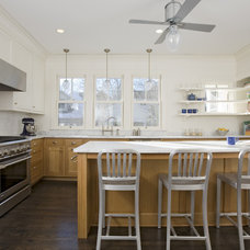Traditional Kitchen by Albertsson Hansen Architecture, Ltd