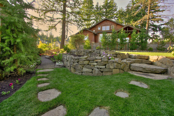 Traditional  by Paradise Restored Landscaping & Exterior Design
