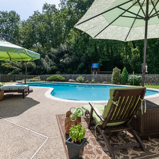 Traditional Pool by Hometrack Photography & Marketing for Realtors