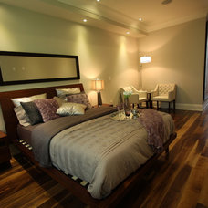 Traditional Bedroom by Memar Architects Inc.