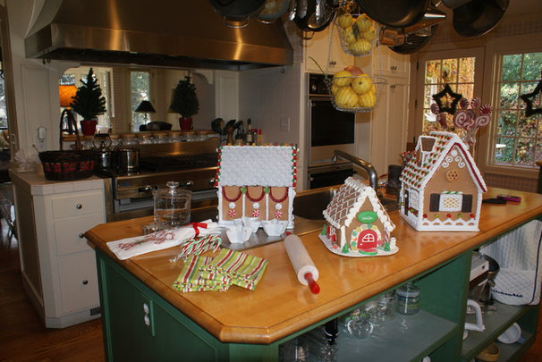Contemporary  Finishing Touches- Junior League of Palo Alto-Mid Peninsula Holiday House Tour
