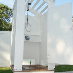 Outdoor Shower Enclosers - www.ShowerOutdoor.com