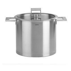 Cristel - Cristel Strate L Fix Brushed Stainless Stockpot With Glass Flat Lid 9.93-qt. - The base is made out of an alloy of stainless steel and aluminum. The heat is simultaneously spread over the whole surface of the base and sides. For gentle, economic cooking with no risk of sticking and protecting all the nutritional qualities of food. Multicooking: suitable for all cooking cooktops; can also be placed on the oven (with or without the lid)Brushed Finish. Dishwasher safe.. Made in France.