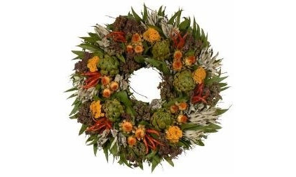 traditional holiday decorations by gardengatewreaths.com