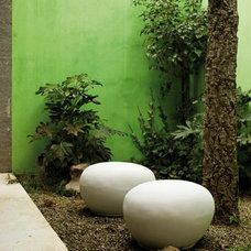 contemporary outdoor decor by 2Modern