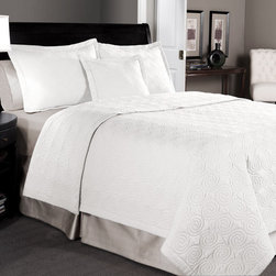 None - Maison White Cotton 3-piece Quilt Set - Add a country touch to your bedroom with this pleasant three-piece cotton quilt set. This white Maison quilt set features a simple pattern, and comes with matching shams. It will keep you warm at night, and it's machine washable for easy maintenance.