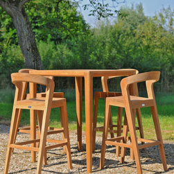 Play Barstool by Alain Berteau - Sustainable, comfortable bar stool. Thanks to its sexy and elegant design this bar stool can decorate each kitchen table as every bar. The round formed back side operates perfectly as arm rest.