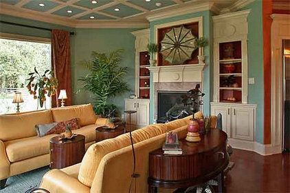 Traditional  Hearth Room by Champagne Chic Interiors
