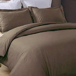 Hotel Grand Collection - Chocolate 230-Thread Count Duvet Cover Set - Add this elegant and incredibly soft duvet cover to your bed to make counting sheep a thing of the past. Whether updating the master bedroom or guestroom, this piece of bedding is sure to warm up décor.   Includes duvet cover and two shams (twin sizes include one sham) 100% cotton 230-thread count Machine wash Imported