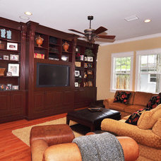 Traditional Family Room by Javic Homes