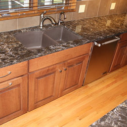 Traditional Kitchen Sinks: Find Farmhouse Sink and Apron Sink Designs Online