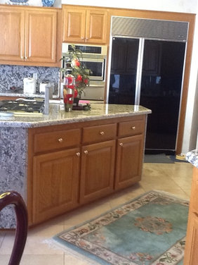 Need help with this mismatched kitchen, please...
