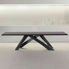 dining tables by IQmatics