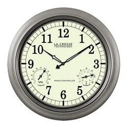 "La Crosse Technologies - La Crosse 18"" Atomic Outdoor Clock - Features:"