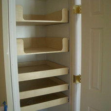 Traditional Closet by GEOWEN Custom Carpentry, Inc