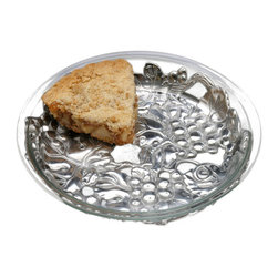 Arthur Court - Grape Pie Plate Trivet - Your bubbling hot pie comes straight from the oven. Then what? You place it on this gorgeous, aluminum grape pie stand and serve. It also makes a great gift for the wine lover in your life — you!
