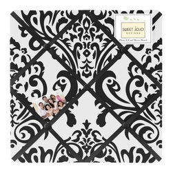 Sweet Jojo Designs - Isabella Black and White Fabric Memo Board by Sweet Jojo Designs - The Isabella Black and White Fabric Memo Board by Sweet Jojo Designs, along with the  bedding accessories.
