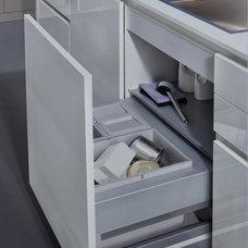 Modern Kitchen Cabinets by LEICHT New York / LEICHT Westchester