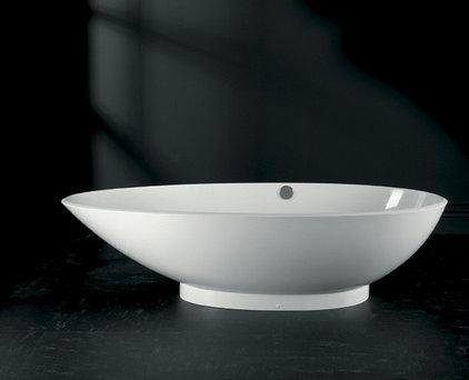 Modern Bathtubs by clickshopnrun.com