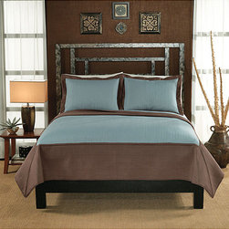 None - Barclay Hotel Aqua/ Taupe 3-piece Quilt Set - Add distinction to your bedroom with a Barclay Hotel quilt set Bedding features one quilt and two pillow shams (one in twin-size set) Quilt set has aqua center with taupe borders