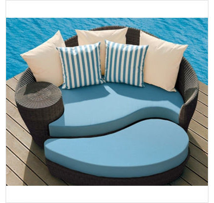 Contemporary Outdoor Footstools And Ottomans by Didriks