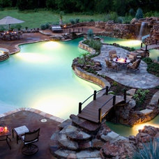 Who wouldn't want to have this giant pool?!