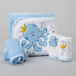SpaSilk - Blue Octopus Hooded Towel Set - Splish splash, it's time for a bath. Featuring washcloths for cleanups and a hooded towel for after cleaning up, this supersoft and absorbent set is Baby's best bath time companion. �� Includes hooded towel and four washcloths Towel: 26'' x 30'' Washcloth: 9'' x 9'' 100% cotton Machine wash; tumble dry Imported