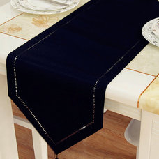 Modern Tablecloths by Jollyhome