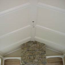Traditional  by L & J Building and Remodeling Inc.