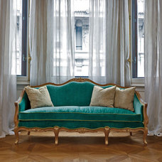 Traditional Sofas by MobiLusso Furniture & Antiques