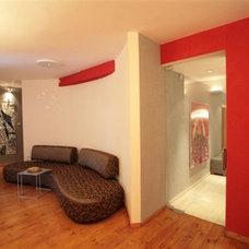 Modern Home Office by Asher Elbaz