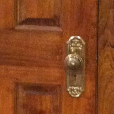 Traditional Cabinet And Drawer Knobs by Leland Interiors, LLC