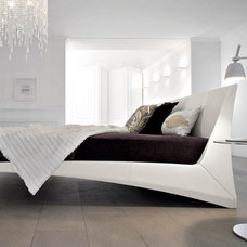 Modern Beds Dylan Designer Leather Bed By Cattelan Italia