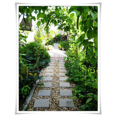 Eclectic Landscape side yard garden path