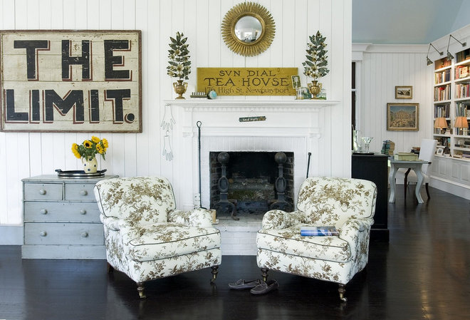 Traditional  by The Lettered Cottage