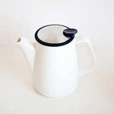 Contemporary Coffee Makers And Tea Kettles by Poketo