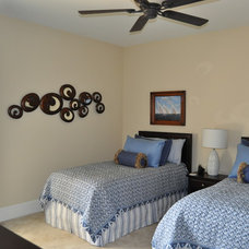 Traditional  by SSI Design Group, Inc.