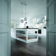Traditional Kitchen Cabinetry by Aster Cucine